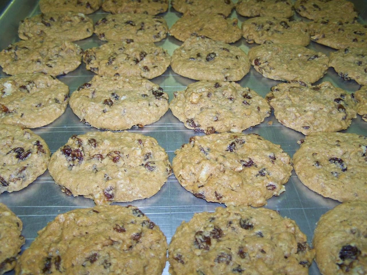 Gourmet Oatmeal Walnut Raisin Cookies